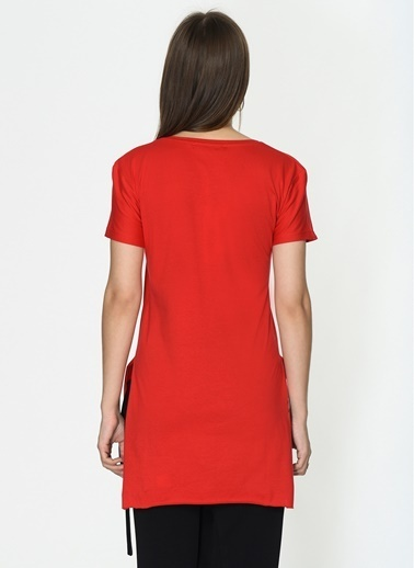 Loves You V Yaka Yırtmaçlı %100 Cotton T-Shirt Kırmızı